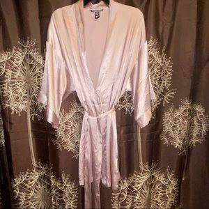 VICTORIAS SECRET Pink Silky Robe M Sleepwear L